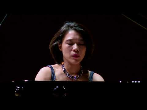 Ching-Yun Hu performs Rachmaninoff Etudes-tableaux Op. 39, No. 1