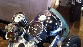 旧車、クラシック、バイク。SANRAD SR400 PINSTRIPING