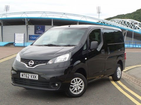 2012 62 nissan nv200 combi 1 5 dci 89 se 6dr in black youtube. Black Bedroom Furniture Sets. Home Design Ideas