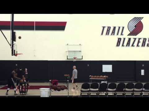 Trail Blazers Wesley Matthews practicing for 3-point contest
