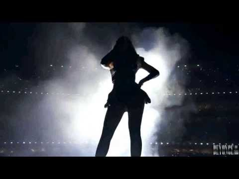 Beyoncé performing 'Crazy In Love' Live  Super Bowl  Perfeita...