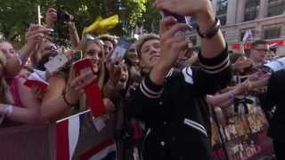 One Direction: This Is Us: 1D Signing Autographs & Meeting Fans