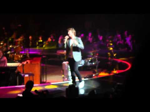 Josh Groban at Key Arena Seattle, WA 10/04/13 Un Alma Mas