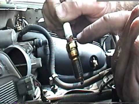 hqdefault changing trailblazer sparkplugs youtube 2002 Trailblazer Spark Plug Replacement at crackthecode.co