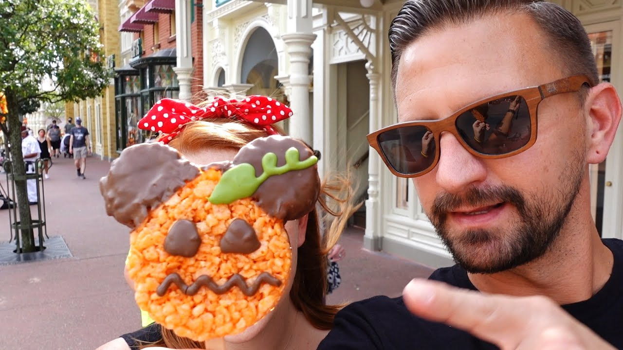 A Fun Day At Disney's Magic Kingdom! | Cheeseburger Spring Rolls Are Back, A Carousel Ride & More!
