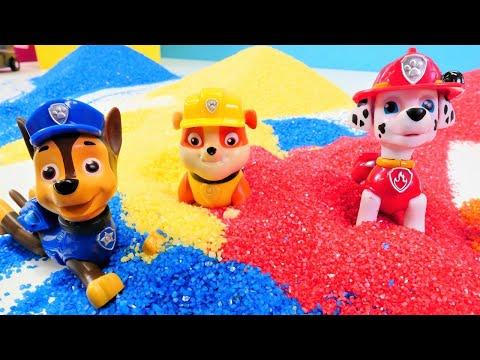 Video Für Kinder. Skye Sucht Das Paw Patrol Team. Spielzeugvideo Auf Deutsch.