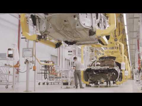 Jaguar Land Rover inaugura fábrica e Itatiaia (RJ)
