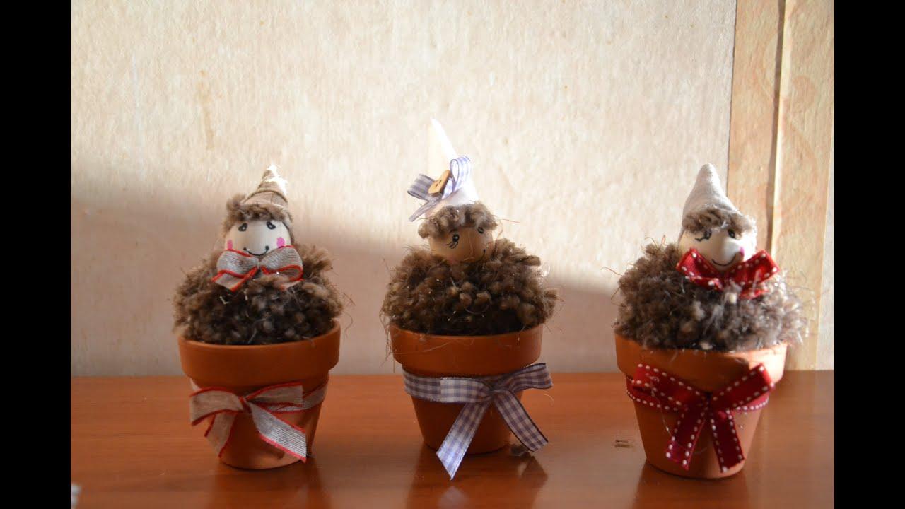 Gnomi o folletti nei vasetti realizzati con i pon pon for Gnomi di stoffa fai da te