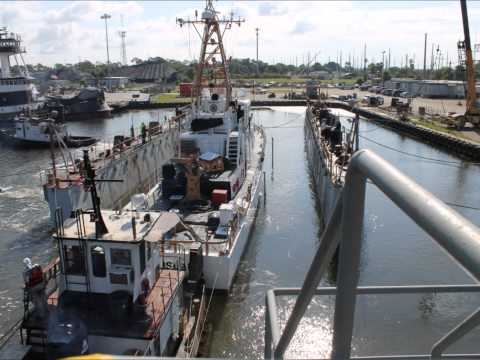 Floating Dry Dock Operation Time Lapse 1