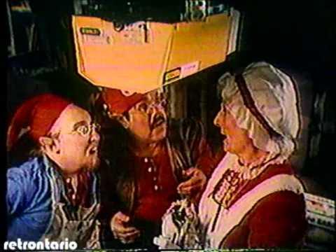 Stanley Garage Doors Christmas 1982 - YouTube