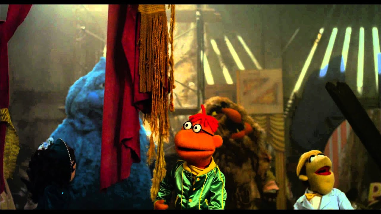 The Muppets clip - cleaning the theater Nederlands - YouTube