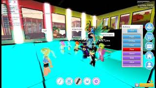 FLOSS PARTY IN ROBLOXIAN HIGHSCOOL ROBLOX