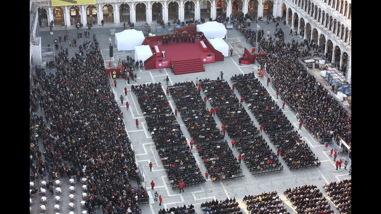 Calendario Lauree Ca Foscari.Giorno Della Laurea Novembre 2018 Consegna Dei Diplomi A L