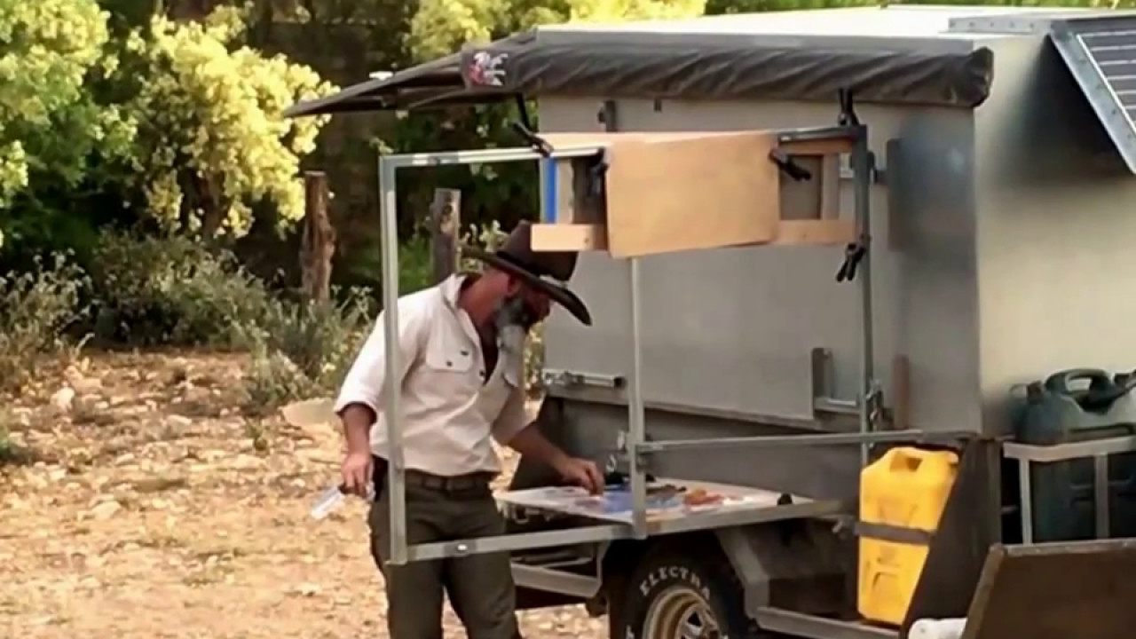 Richard musgrave evans painting pleinair from his trailer