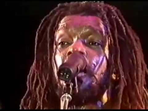 Peter Tosh - Bush Doctor (Live)