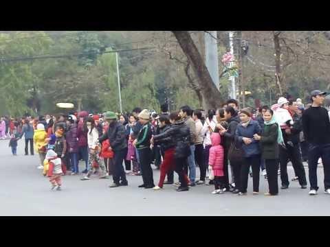 LỄ HỘI ĐỀN VÀ 2014 (đoàn rước đi qua T.X Sơn Tây - 03)