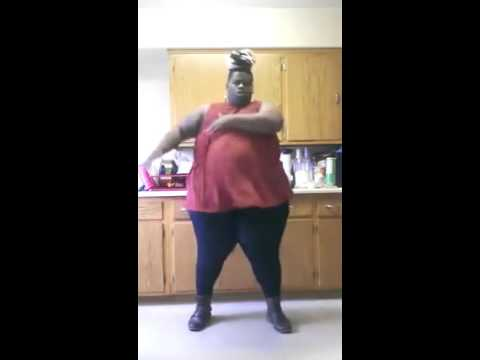funny-fatty-twerking-it-out-|-try-not-to-laugh-twerking