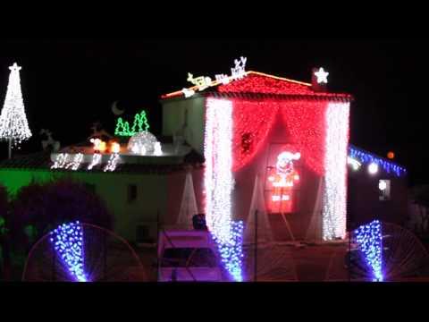 Maison illuminée Noel 2014 a la Fare les oliviers Light-o-rama carol of the bell