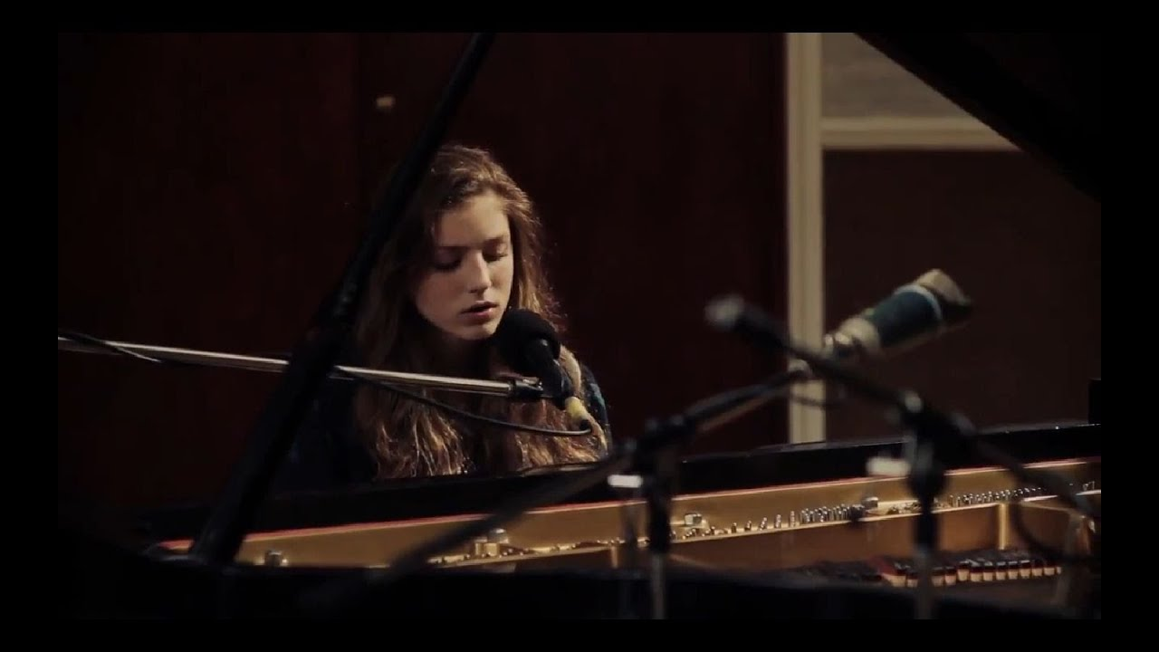 birdy-without-a-word-live-officialbirdy