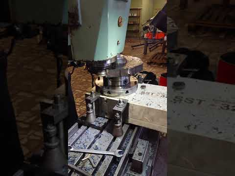Rotormann - Rotary Table With Synchronizer In Action / Disk Milling