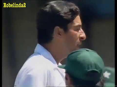 Download Incredible full over + dismissal- Wasim Akram vs Sandpaper Champions VINTAGE GOLD!