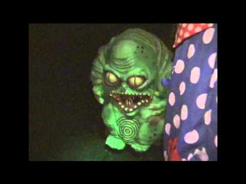 Knott's Scary Farm's Carnival of Carnivorous Clowns 2000 Maze Flow-Through