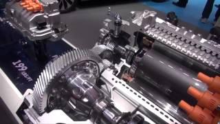 Motor Diesel VS Motor eléctrico. VW Golf EV Los Angeles Auto Show.