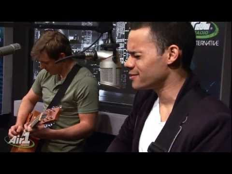 "Air1 - Royal Tailor ""Hold Me Together"" LIVE"