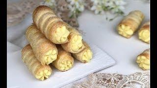 Cannoli di pasta sfoglia con crema pasticcera alla panna