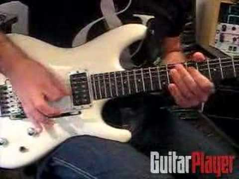 Joe Satriani Demonstrates His