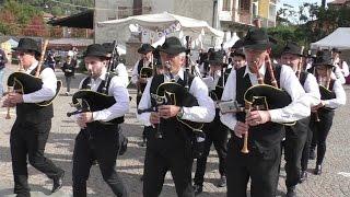 Piverone 2016 - Festa castagna - Baghèt Band in sfilata