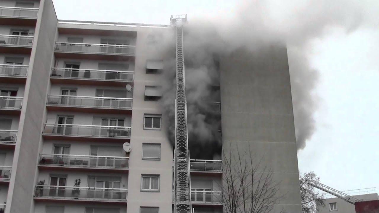Aulnay sous Bois incendieà la cité des Etangs 7 décembre 2012 YouTube # Déchetterie Aulnay Sous Bois