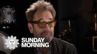 Huey Lewis talks hearing loss