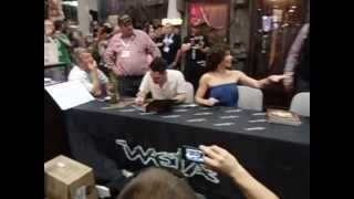 2013 Comic Con Video Part 5 - Evangeline Lilly signing autographs at the WETA booth