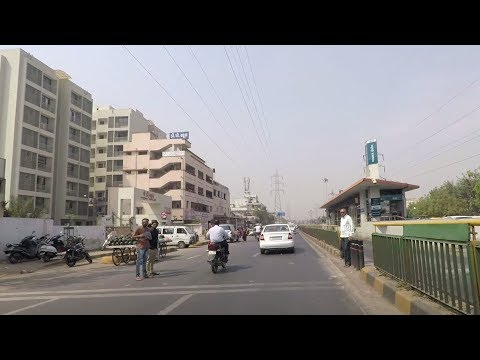 Driving in Ahmedabad (132 Feet Ring Road) - Gujarat, India