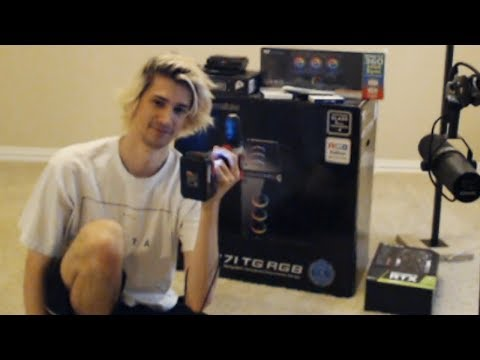 XQc Builds A PC With Chat's Help | Day 1
