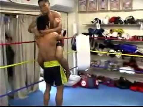 Muay Thai  - aquecimento e treinamento dos melhores do mundo