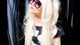 Kelly Miss Hilton 3
