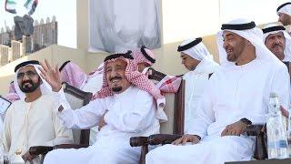 خادم الحرمين الشريفين ومحمد بن راشد ومحمد بن زايد يشهدون مسيرة الاتحاد