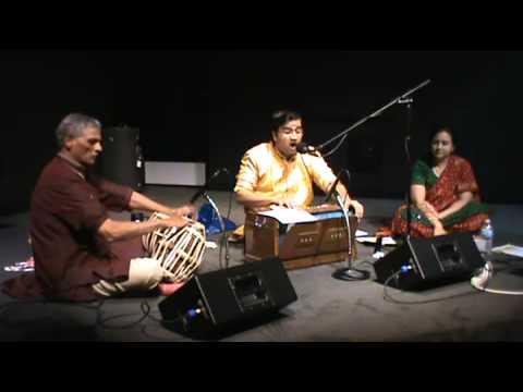 Ram Janmala Ga Sakhi - राम जन्मला ग सखी