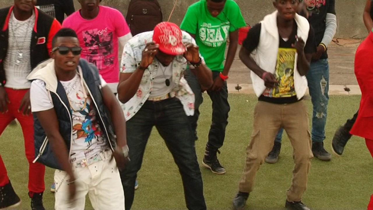Download Mr Bangees - Bonsuwe ft Talba (Engausa Album)