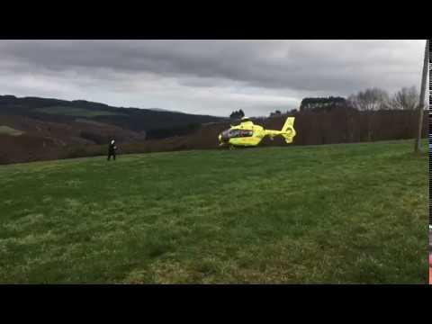 Evacuado en Portomarín un cazador que se disparó por accidente en un pie