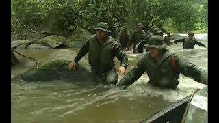 Légionnaire, à la frontière entre la Guyane Française et le Brésil