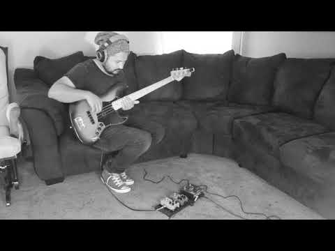Tc Electronic Quintenssence Harmonizer on bass