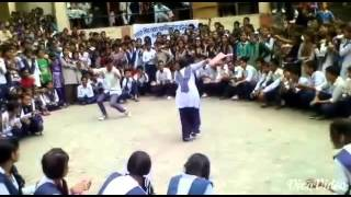 Himachali song with dancing boys and girls