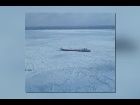 Freighter trapped in Lake Erie ice
