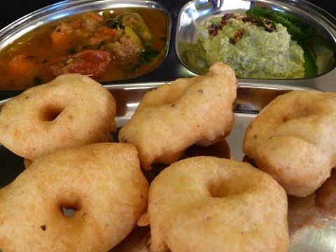 How to make medu vada south indian recipe youtube forumfinder Image collections