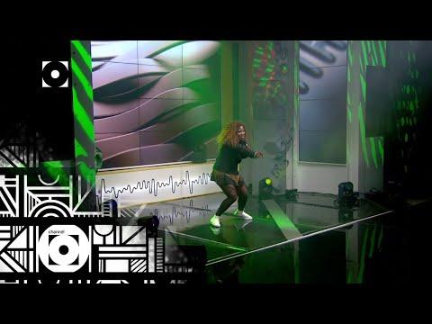 makhadzi-performs-'sugar-sugar'---massive-music-|-channel-o
