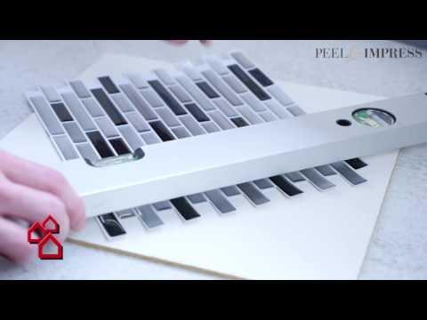 """BAUHAUS TV - Produktvideo: Selbstklebende Vinyl-Mosaikmatte """"Peel & Impress"""" für Küchen"""
