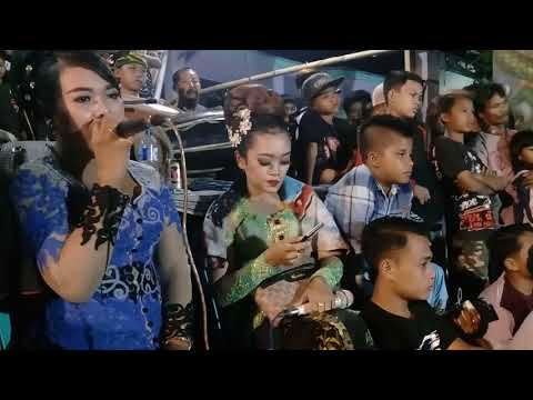 DEWI KILI SUCI - VERSI JARANAN TURONGGO SINGO JOYO LIVE DESA SENGGRENG vocal : Mbak Anggun